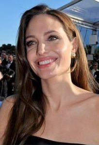 Angelina_Jolie_Cannes_2011