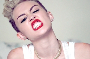 miley-cyrus-we-cant-stop-1-650-430
