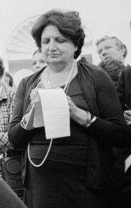 Pioneering journalist Helen Thomas.